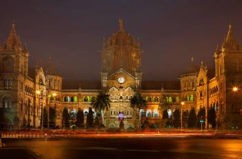 10 Most Amazing Railway Stations in the World